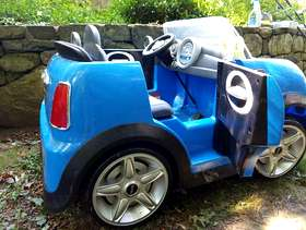Freecycle Mini Cooper 12 Volt electric kid's car