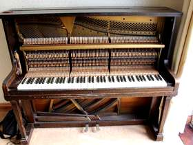 Freecycle **FREE** – Piano (collection only)
