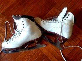 Freecycle Girl's Riedell ice skates - size 6.5