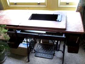 Freecycle Singer sewing machine table in need of care and attention ...