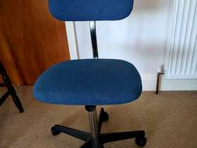 Freecycle Office Swivel Chair