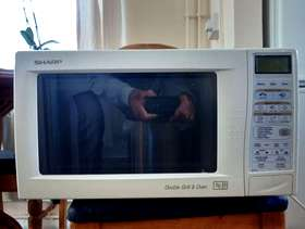 Freecycle Microwave oven
