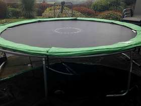Freecycle 10 ft Trampoline