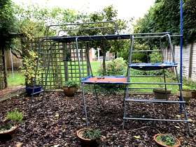 Freecycle Children's climbing frame (tp 912 Challenger)