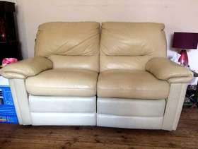 Freecycle 2 seater double recliner sofa