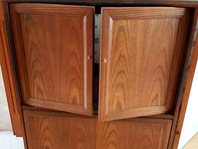 Freecycle TV/DVD Cabinet