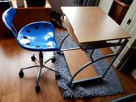 Freecycle Computer Workstation & Swivel Chair