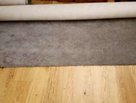 Freecycle Grey Carpet 3.1 x 2.6 M
