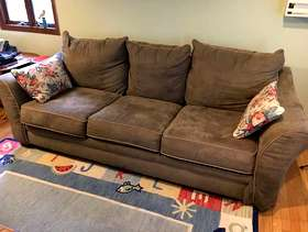 Freecycle Couch and Chair/ottoman to match . Olive green