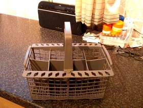 Freecycle Cutlery Basket