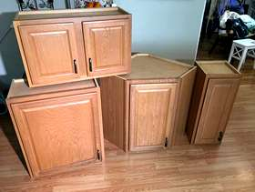 Freecycle 4 kitchen wall cabinets