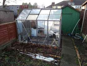 Freecycle Aluminium green house free