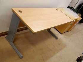 Freecycle 2 office desks, like new