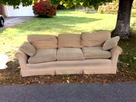 Freecycle Well-built courderoy couch
