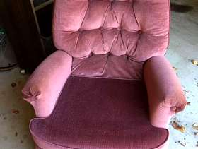 Freecycle Small upholstered mauve chair