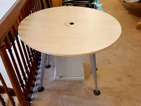 Freecycle Circular office table