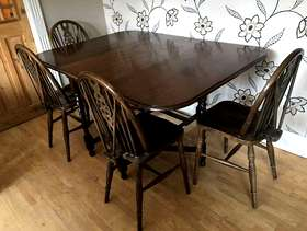 Freecycle Gate leg dining table with 4 chairs