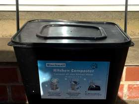 Freecycle Kitchen composter