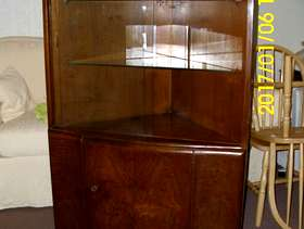 Freecycle Corner display cabinet