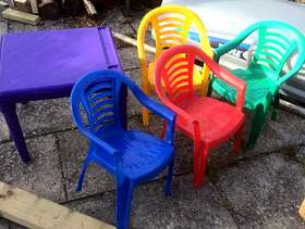 Freecycle Plastic table and 4 chairs