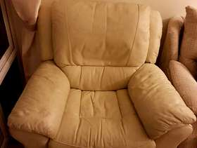 Freecycle Cream leather recliners