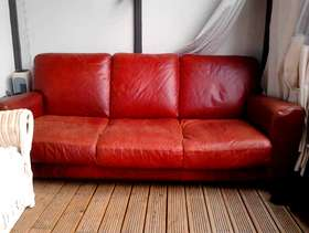 Freecycle Free leather 3 seater couch in rust leather