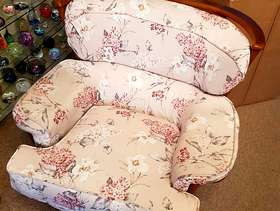Freecycle Single cushioned easy chair