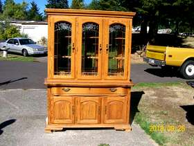 Freecycle Sideboard China cabnet