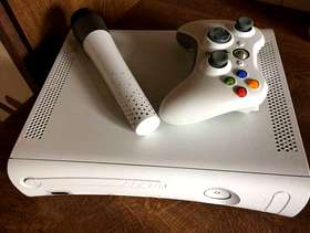 Freecycle Grey XBox 360 and controllers and games