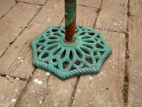 Freecycle Cast iron garden parasol base