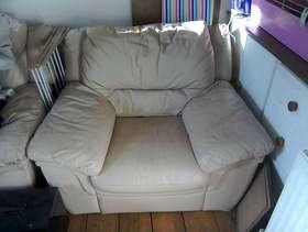 Freecycle Cream single sofa