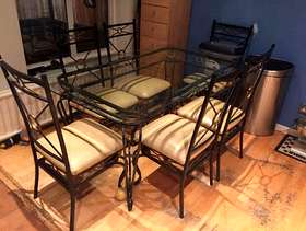 Freecycle Glass dining table and 6 chairs