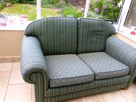 Freecycle 2 two seater sattee's