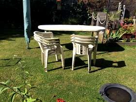 Freecycle Plastic Garden Table & 6 Chairs