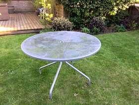 Freecycle Garden table