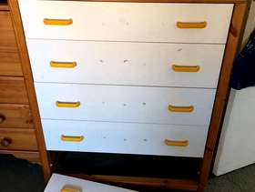 Freecycle Chest of draws