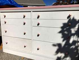 Freecycle Girl's Chest of drawers and desk