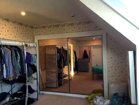Freecycle 2 mirror fronted sliding wardrobe doors