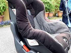 Freecycle Baby car seat