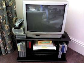 Freecycle TV, Stand and video recorder
