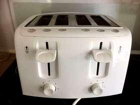 Freecycle 4 slice toaster