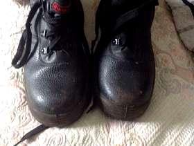 Freecycle Chukka boots size 6