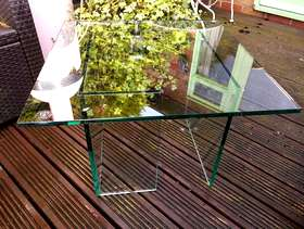 Freecycle Glass coffee table designer greenapple.co.uk