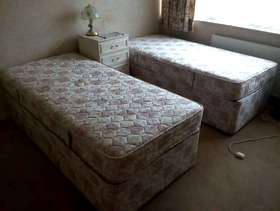 Freecycle 2 X 3ft divan beds with drawers