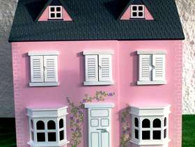 Freecycle Dolls House