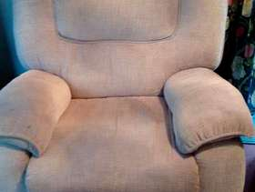 Freecycle Reclining chair-beige, almost new, large