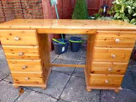 Freecycle Pine desk with drawers