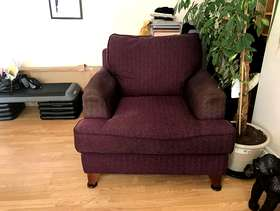 Freecycle Purple arm chair for collection