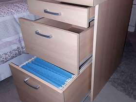 Freecycle 2 Drawer + Filing drawer cabinet