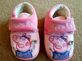 Freecycle Peppa Pig Girls Slippers size 4/5 - £3